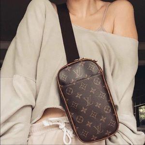 Louis Vuitton Monogram Gange Waist/Shoulder Bag